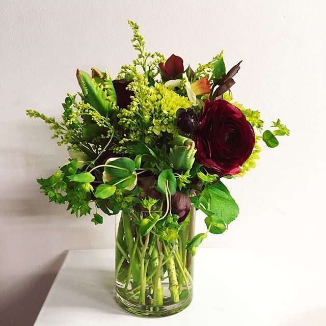 Celebrating tomorrow's Spring Equinox at @eganarranged with ranunculus, parrot tulips, daffodils and bupleurum