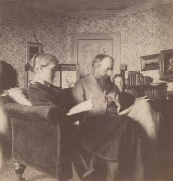 Virginia's parents, Julia & Sir Leslie Stephen, 1892
