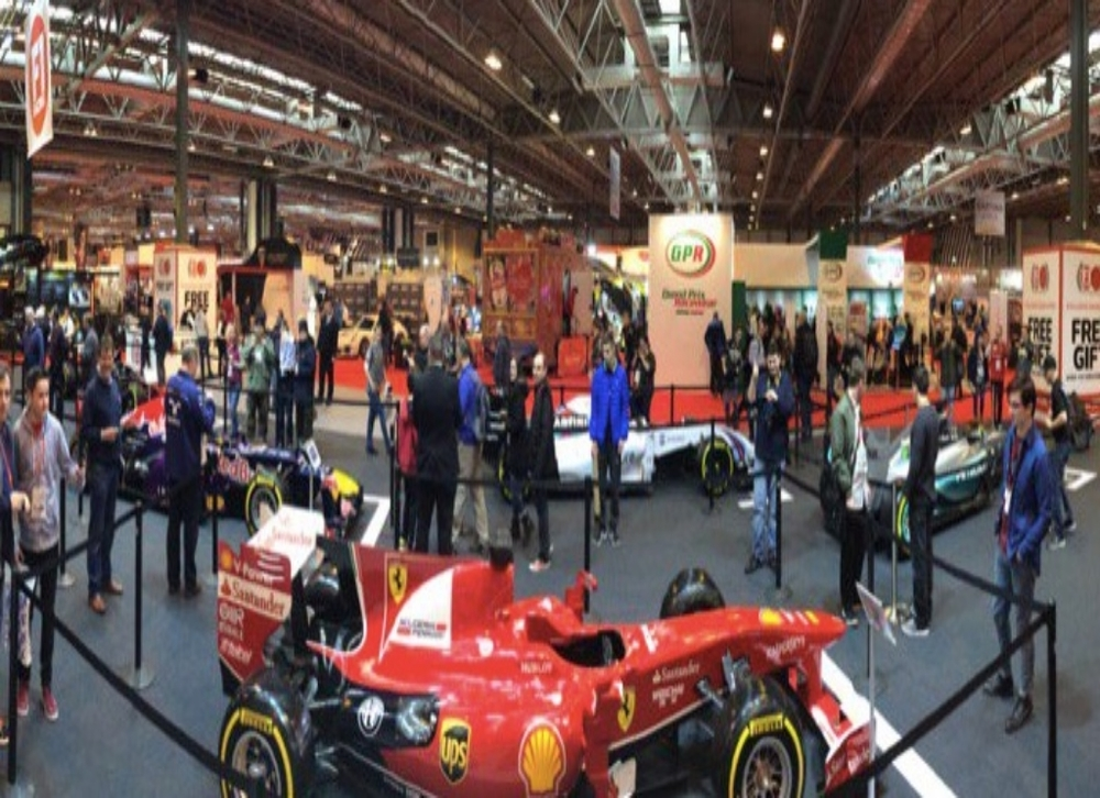 Early arrivals on the @F1Racing_Mag stage @Autosport_Show Hope to see loads of you here today. Enjoy #CroftysPics