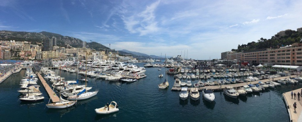 Always love the view from the back of the @SkySportsF1 commentary box in Monaco #CroftysPics