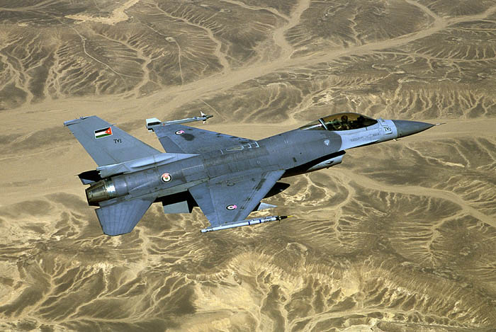 F16A_001.jpg