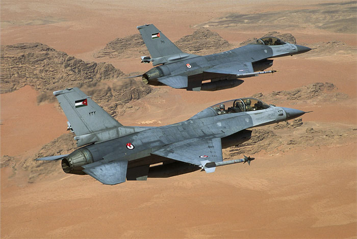 F16twoship_005.jpg