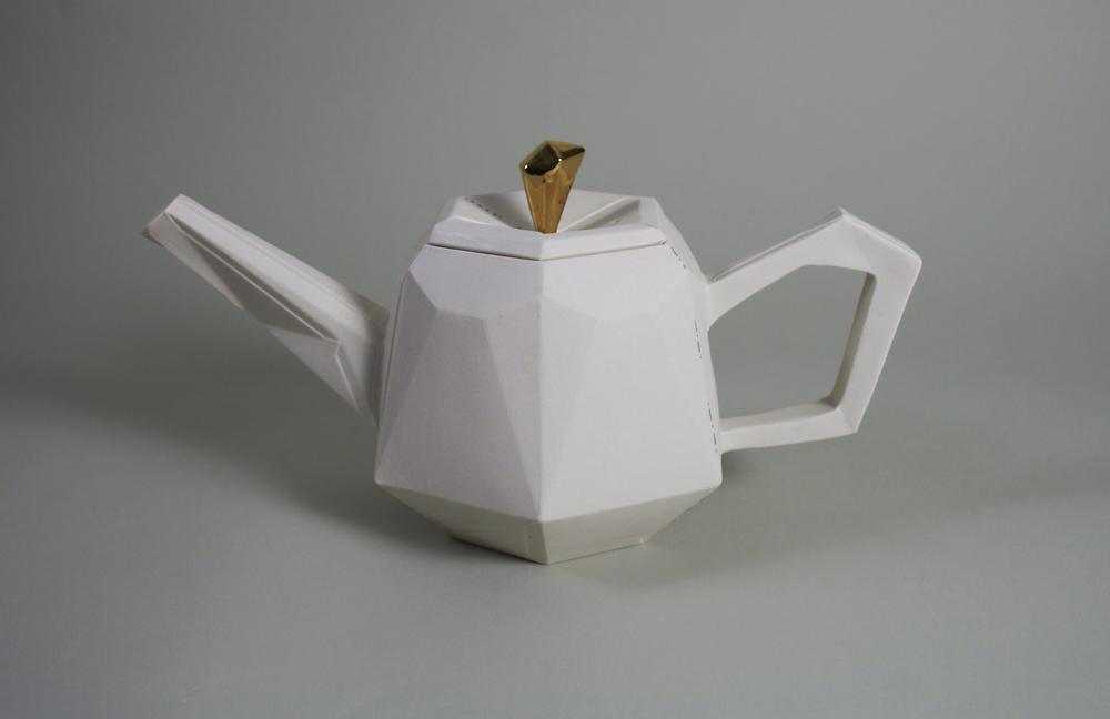 megumi_naitoh_Orimeware_teapot.jpg