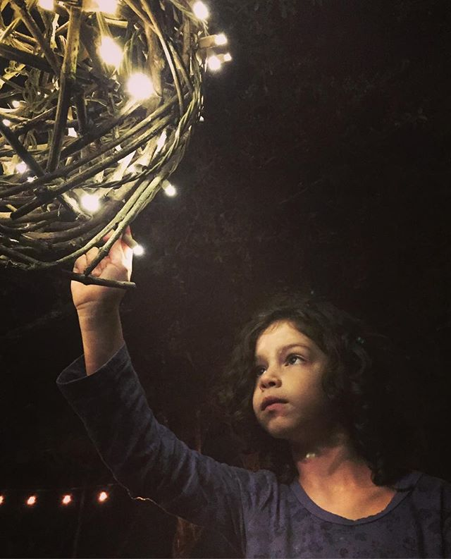 Naiya and I had a daddy-daughter night here at STV.  She was figuring out the vine lamp that mummy made - had to capture.