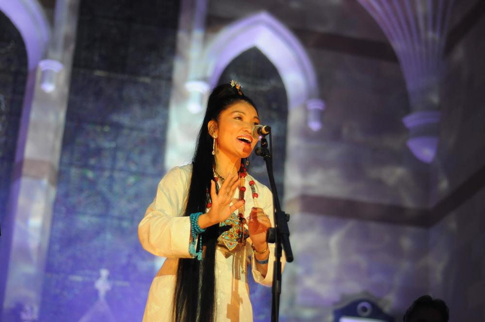 Yungchen Lhamo by barry delaney 2.jpg