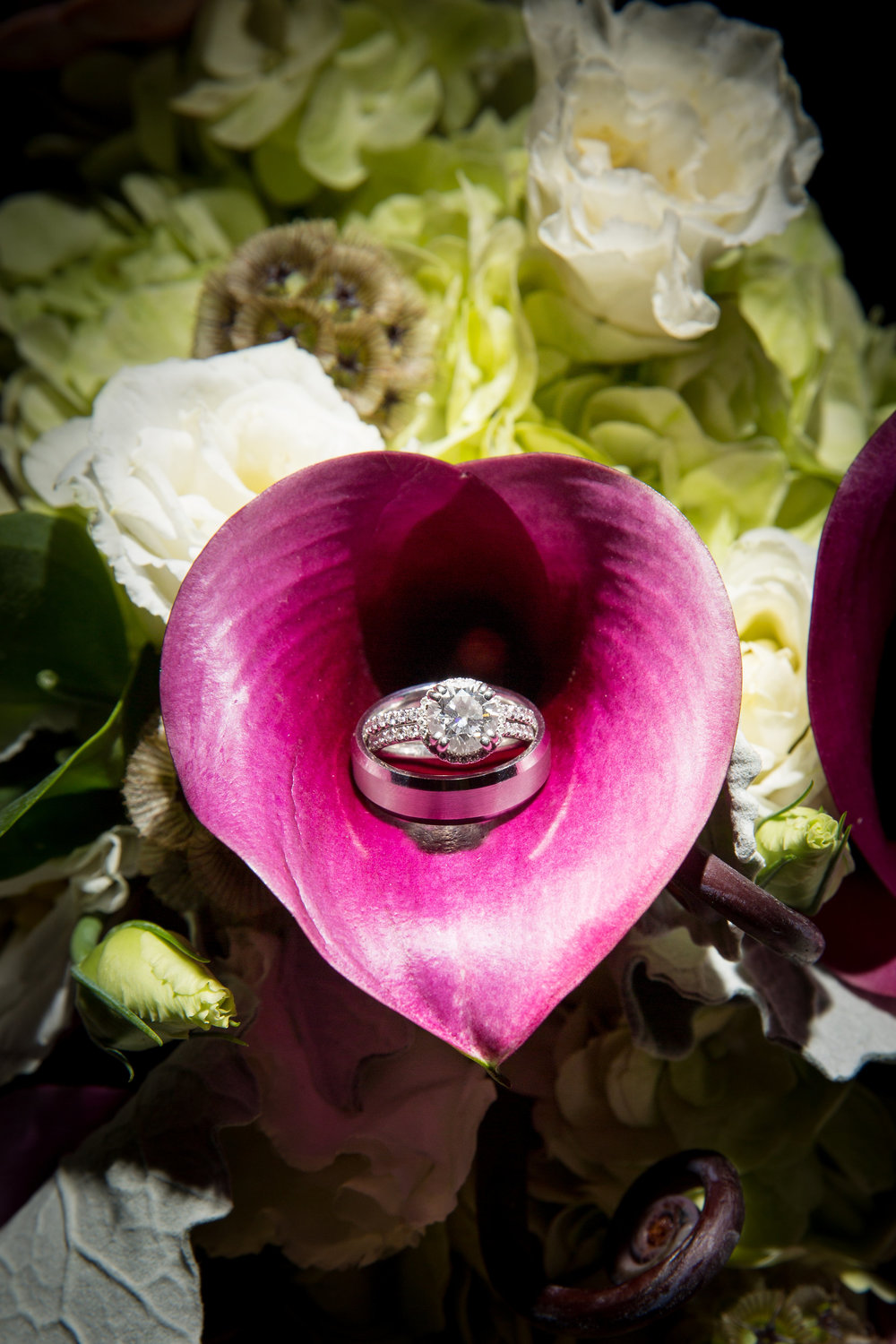 wedding-rings-flowers