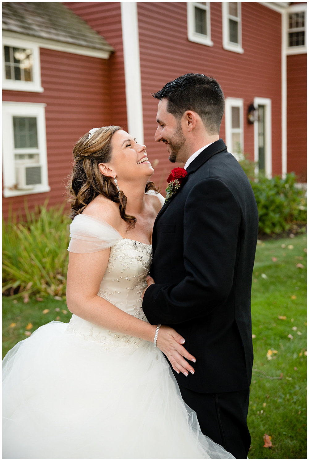 smith-barn-brooksby-farm-wedding-26-north-studios-boston-wedding-photographer-034.jpg