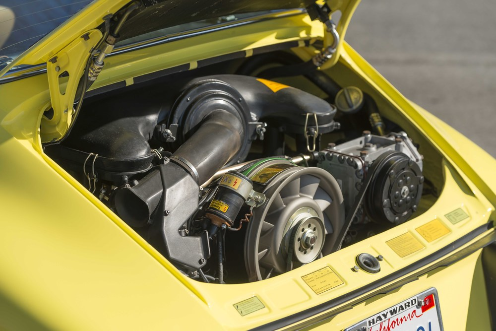 73LightYellowTarga_05.jpg