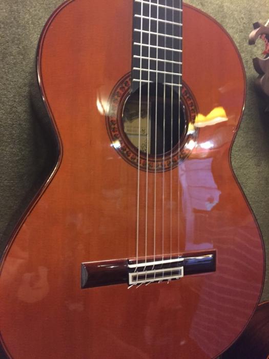 """Guitarras Ramirez """"Auditorio"""" model; photo by John Warren"""