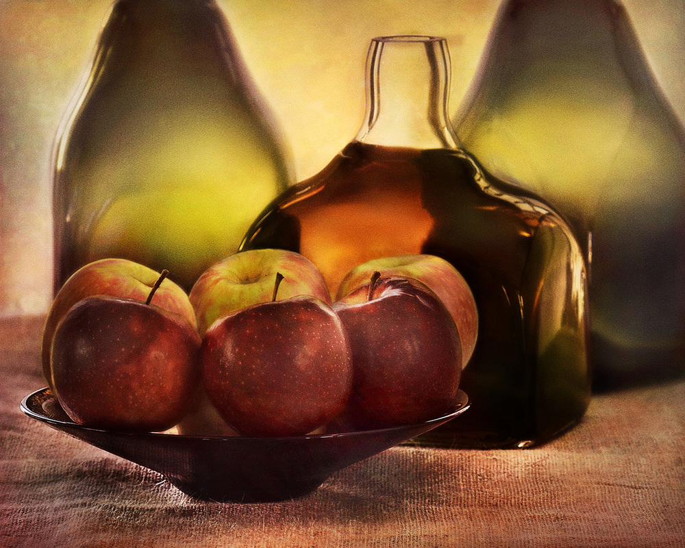 apples and bottles