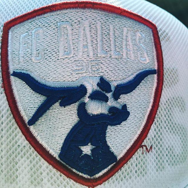 Today we wear our @fcdallas colors. Good luck today in Seattle fellas. 💪🏽💪🏽⚽️⚽️#LHK #officialfcdallasdjs #FCD #DTID #soccer #futbol #majorleaguesoccer #djlife