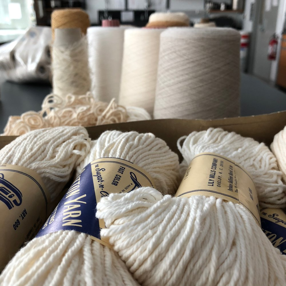 Mordants and Natural Dyeing, The Great Debate - https://alpenglowyarn.wordpress.com/2014/11/11/mordants-and-natural-dyeing-the-great-debate/Thoughts on mordants by alpenglow Yarns