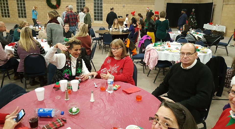 2016 Christmas Party 5.jpg