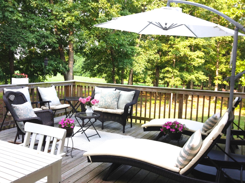 Happy Monday! We are getting ready for a week full of visitors! We are so happy to have family staying with us! Im happy to get to host/relax on our new deck furniture! Hope everyone has a wonderful week !!!  -Kelly