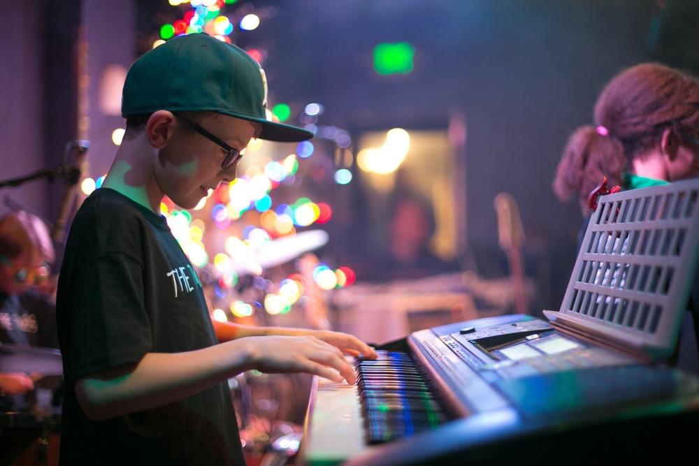 Aiden, keyboardist for The Twerps