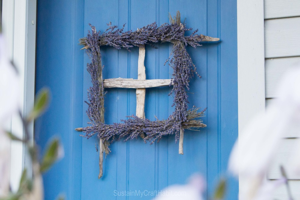 Driftwood and lavender window wreath- SustainMyCraftHabit.com