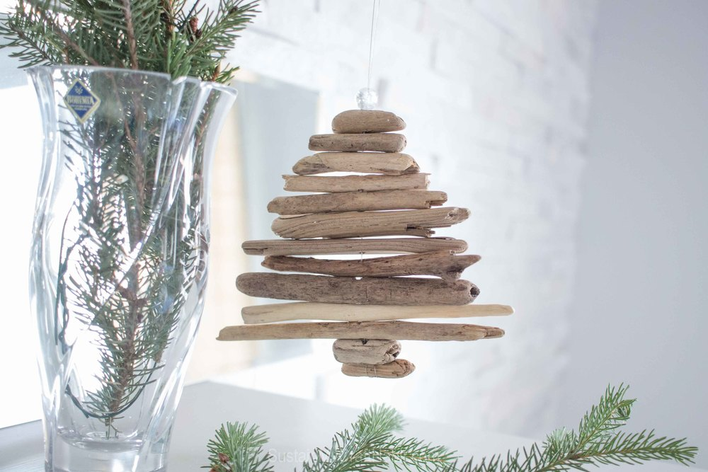 Miniature driftwood Christmas tree ornament DIY - SustainMyCraftHabit