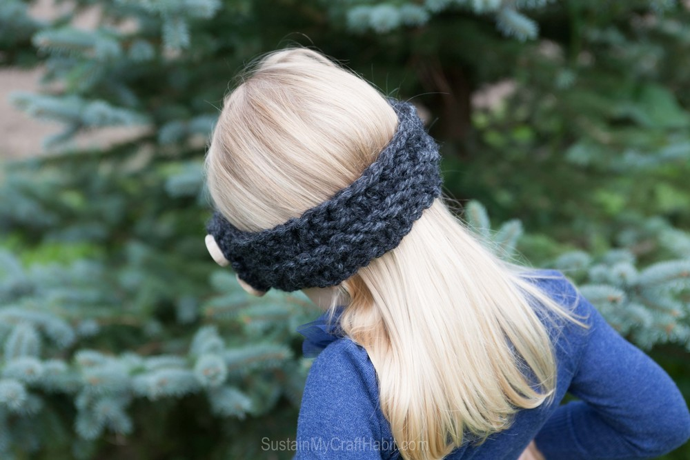 Free pattern for a quick and easy child's knitted headband - SustainMyCraftHabit