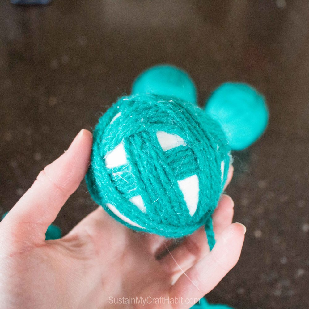 Add beautiful decorate pops of colour with DIY yarn balls - SustainMyCraftHabit -2511.jpg