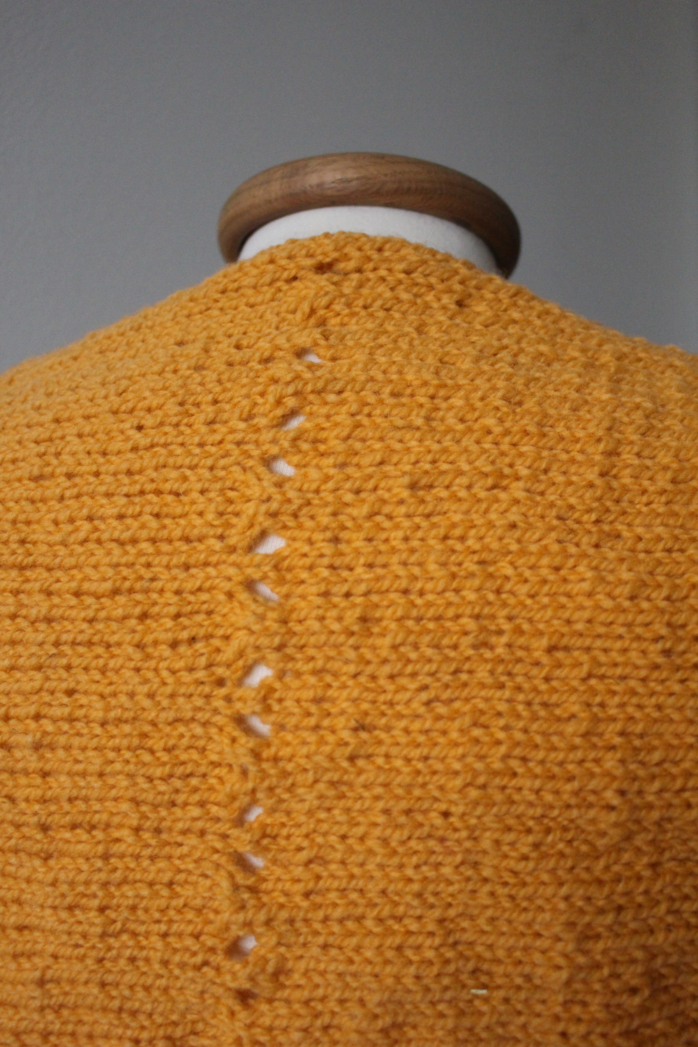 Simple lace stitch pattern on Sunrise Shrug by Sustain My Craft Habit