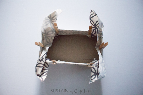Fitting fabric to the tissue box