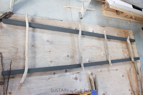 How to make a DIY blanket ladder with driftwood pieces-5319.jpg