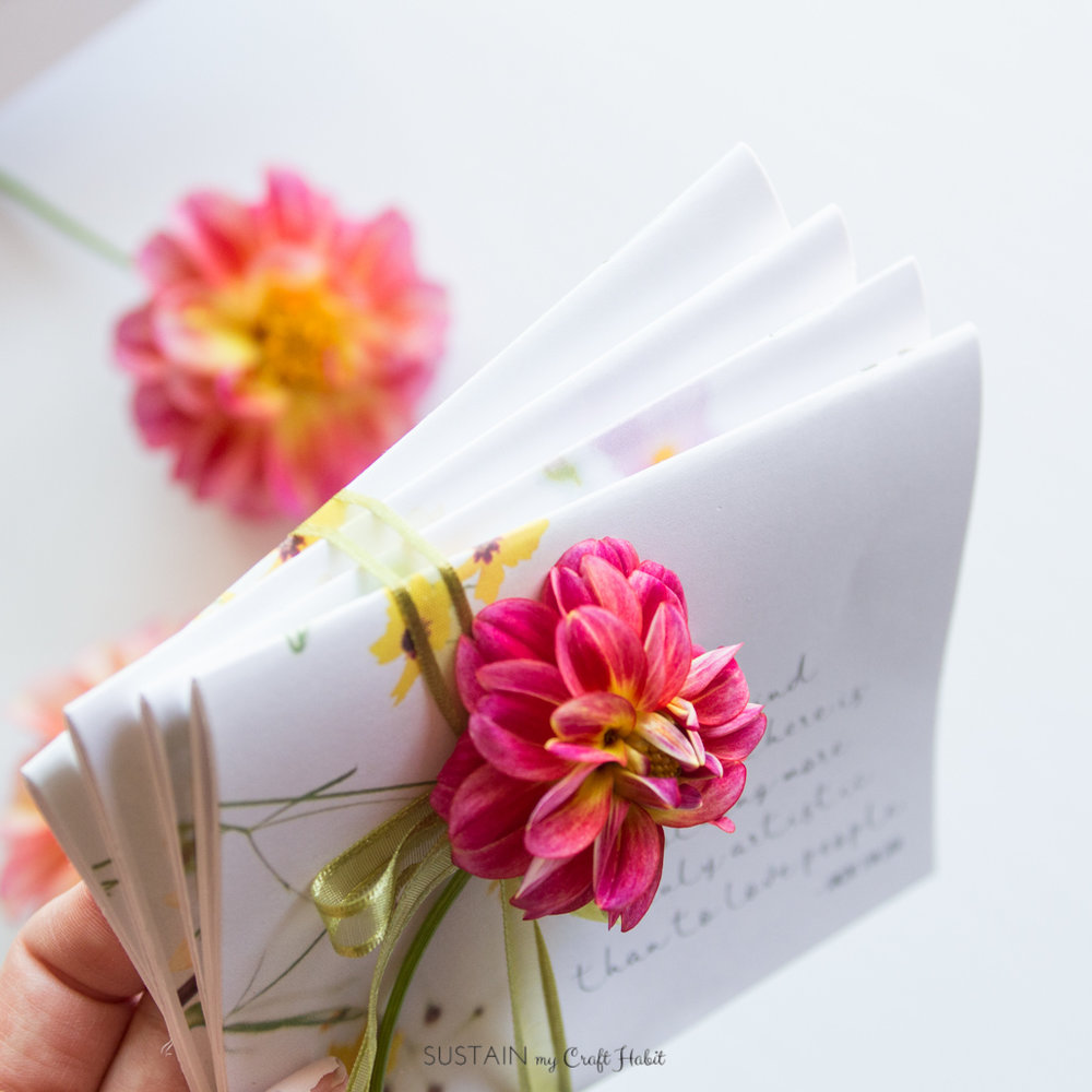 DIY floral notecards | Simple handmade gift idea for flower lovers | Free printable DIY template