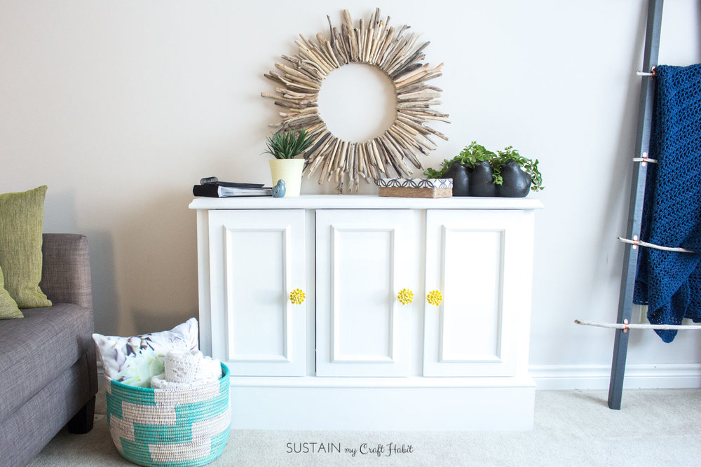 Outdated buffet makeover to modern entertainment unit with Fusion Mineral Paint | DIY furniture upcycling tutorial