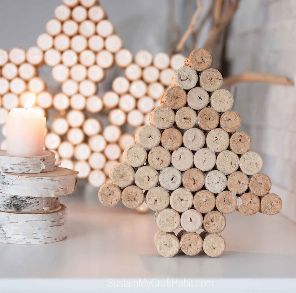 DIY decorative star and Christmas tree art upcycled from wine bottle corks. A lovely gift idea that's beautiful on its own or could be used as a pot holder on the kitchen table.