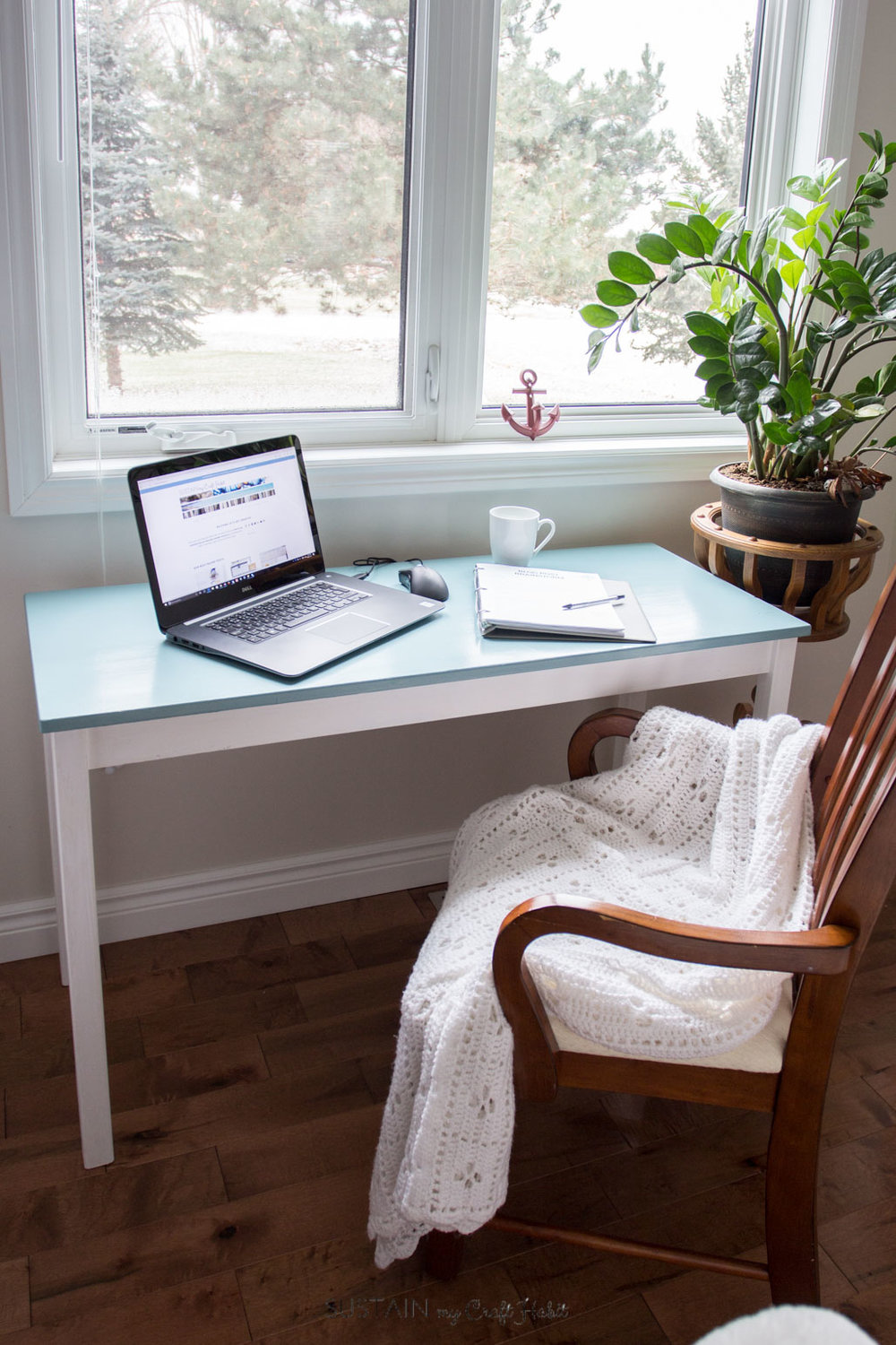 A simple diy console table makeover a solution to yellowing diy wood console table coastal makeover simple home office nook how to repaint yelllowing geotapseo Choice Image