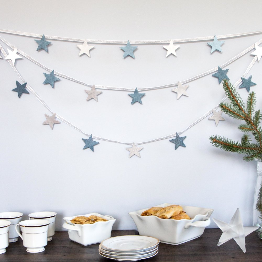 Metallic star swag garland