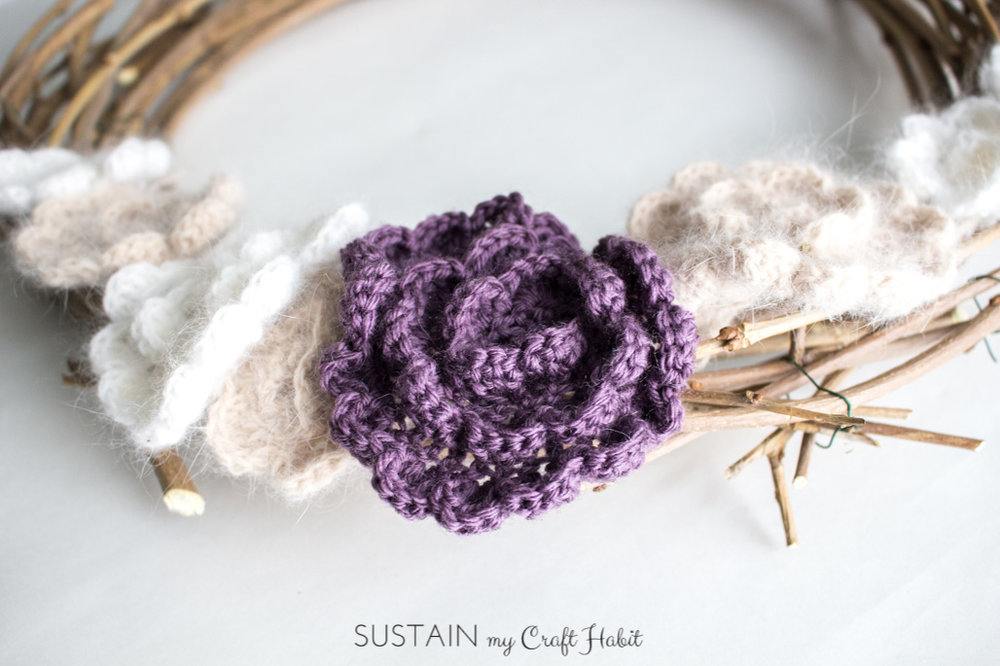 DIY spring wreath make with ornamental mulberry tree branches and simple crochet flowers! Tutorial and free crochet flower pattern included!