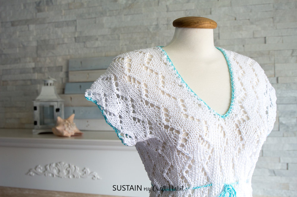 Fantastic summer knitting patterns: a knitted swimsuit cover up for the beach. Beautiful knit pattern with Lion Brand 24/7 Cotton Yarn in white and aqua.