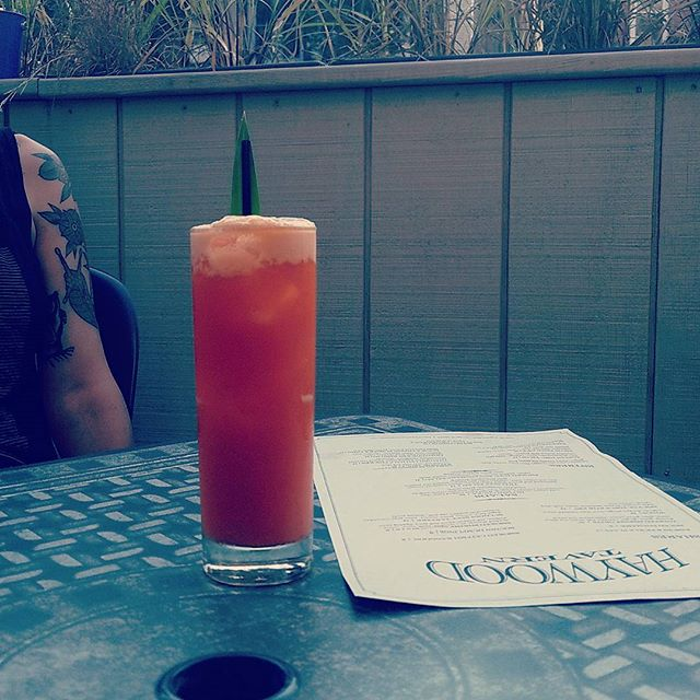 Perfect weather for some patio action and a Spiked Sweet Tea! Run, Pantai Tea, pineapple, coconut and Batavia-Arrack. #chicagopatio #southbysoutheast #cocktails #chicagodrinks #chicagoeats