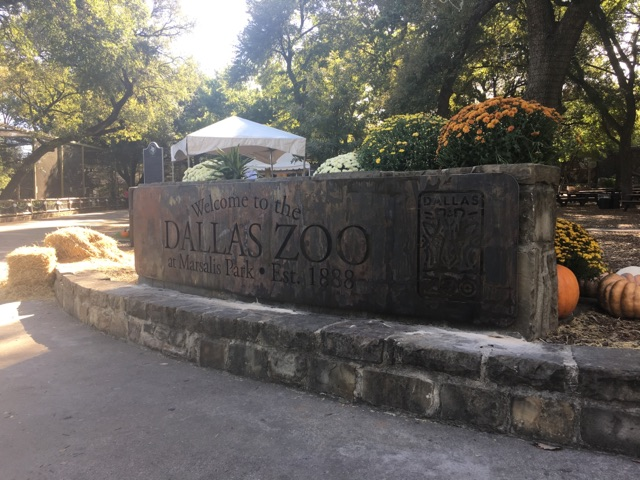 Dallas Zoo sign 01.jpg