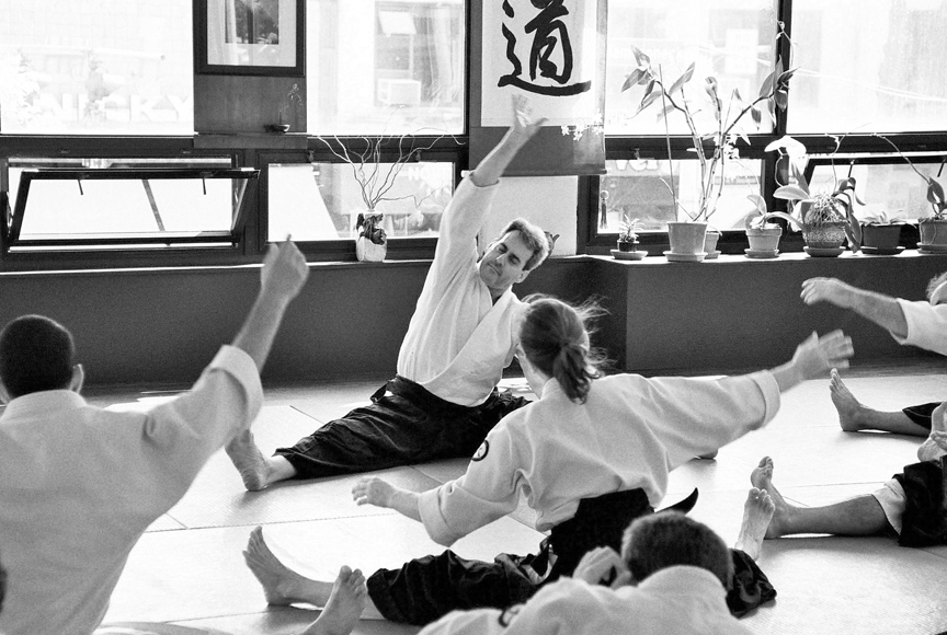 aikido-stretch-bw.jpg
