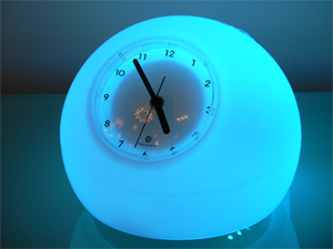 clock-emits-blue-light
