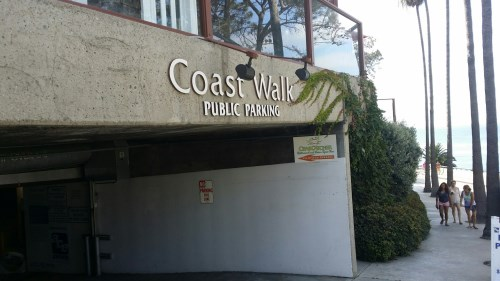 Parking at La Jolla Cove is easy. Just pull into the Coast Walk Parking Structure, pay a couple of dollars and you are steps away from the cove.