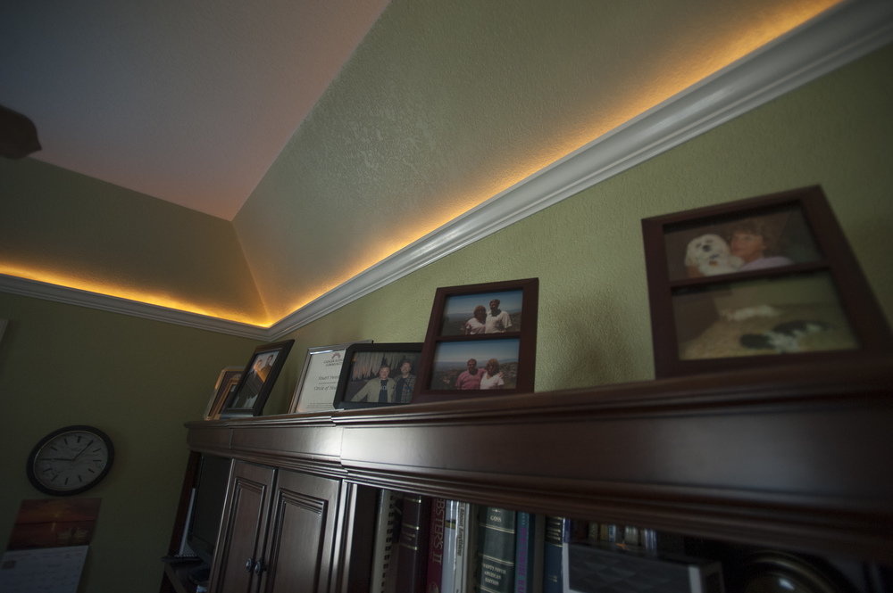 crown moulding lighting 1.jpg