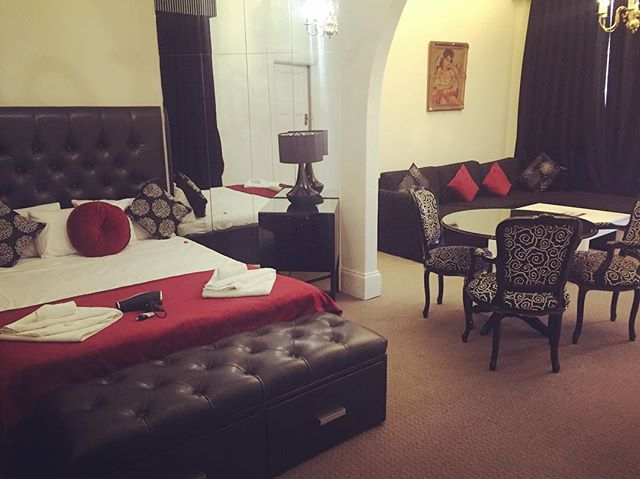 Looking for a quick overnight stay right in the heart of the Adelaide CBD. Check out the Ambassadors Hotel on King William St.  www.ambhotel.com.au  @ambassadorshotel #hotels #adelaidehotels #adelaideaccommodation #adelaide #southaustralia