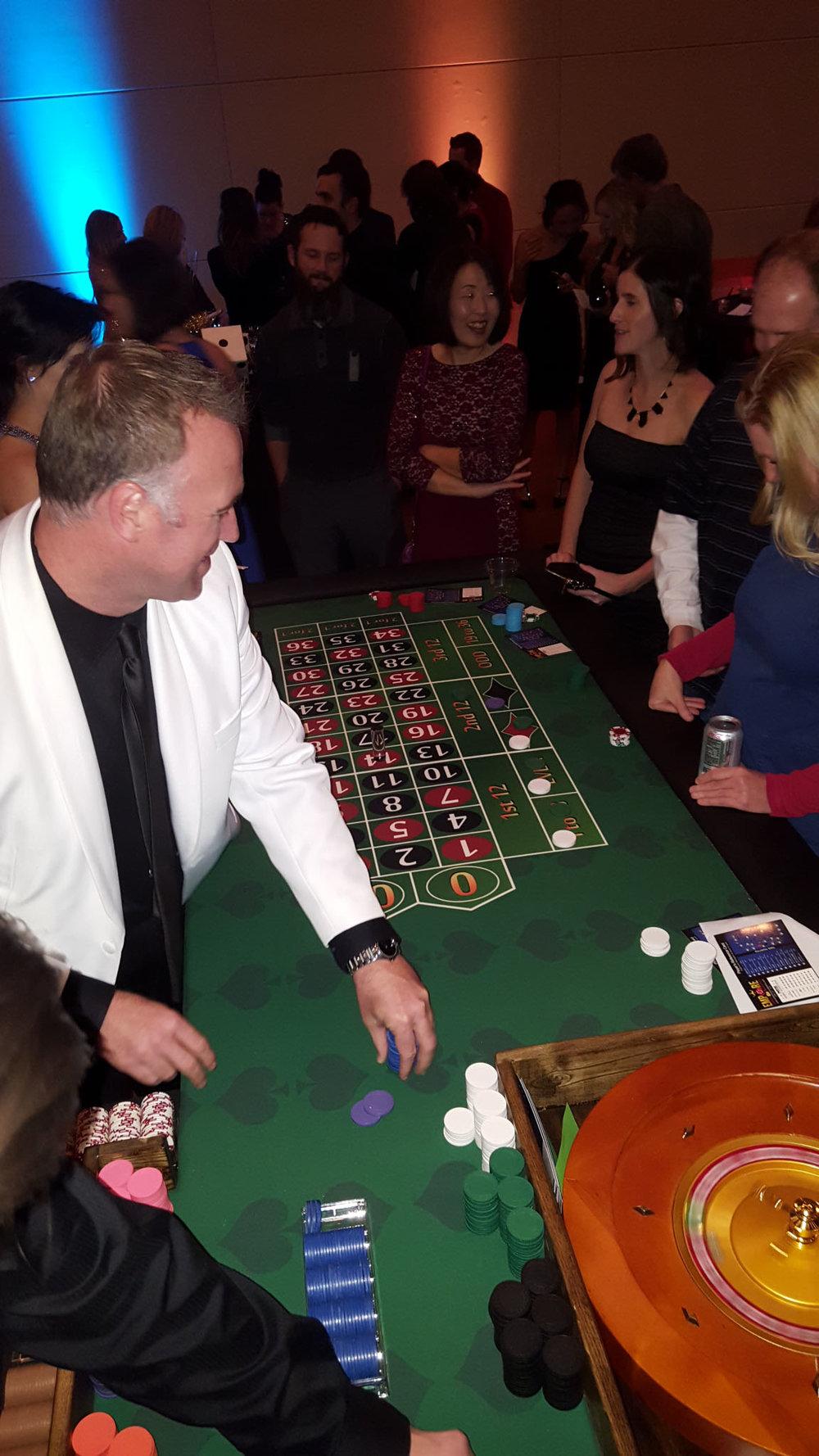 Wooden roulette buy black wooden roulette blackjack table led - Roulette Tables