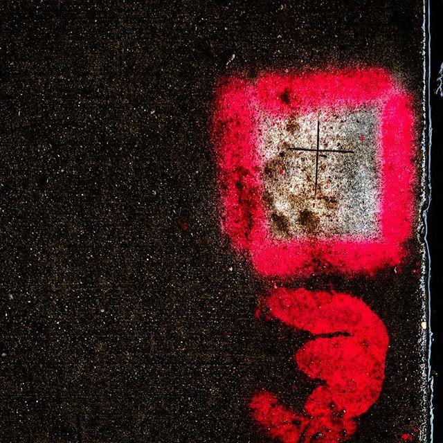 Spray paint on sidewalk #lines #rain #markers #sidewalkart #artbycontractor