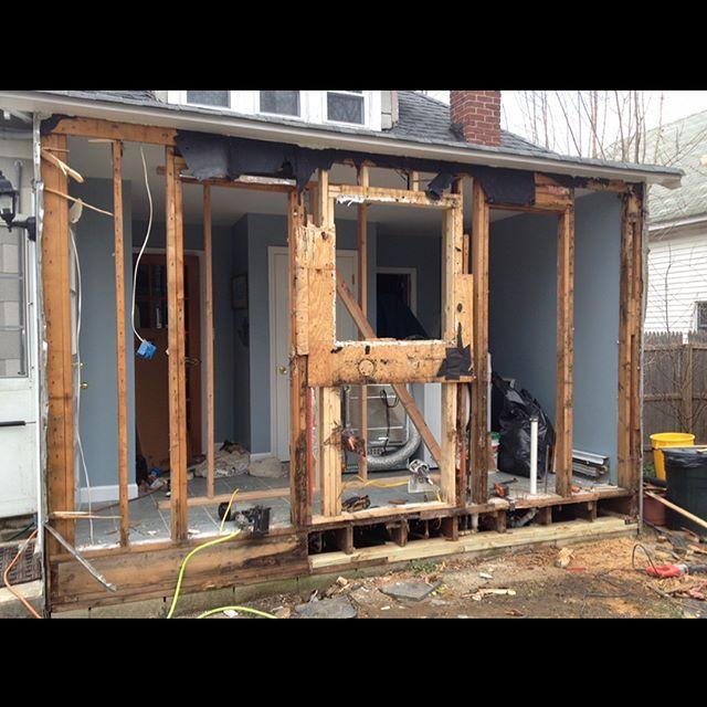 #tbt #construction #carpentry #framing #chippy #renovation #diy #new #home #carpenter #windows #backyard #reno #kampferconstruction #work #beforeandafter #housegains #design #demo