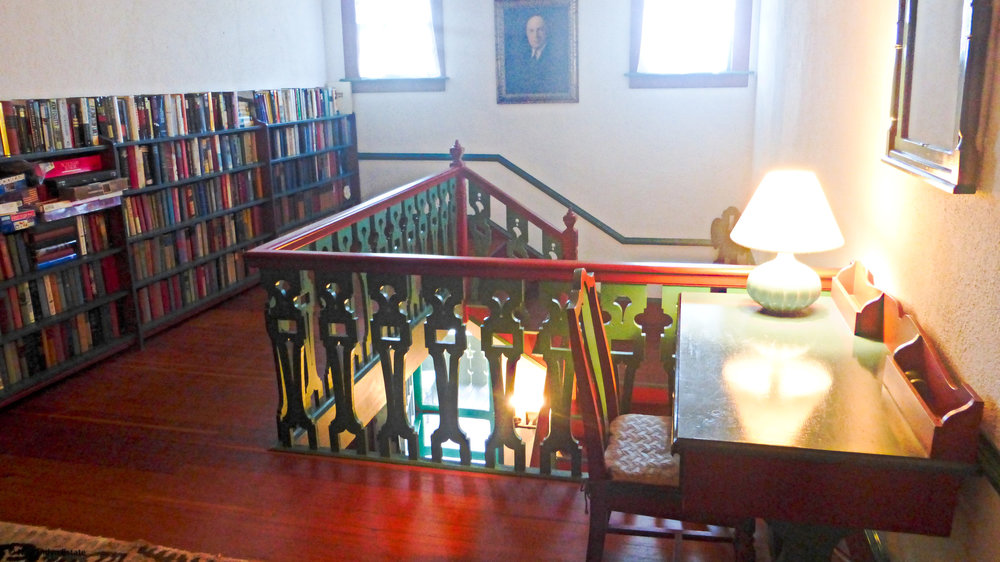 2nd Floor Landing with library & desk