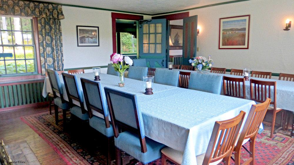 Dining Room - seats 28