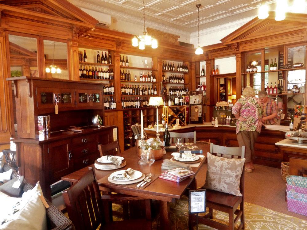 J. Decor - Furnishings, Wine & Craft Beer