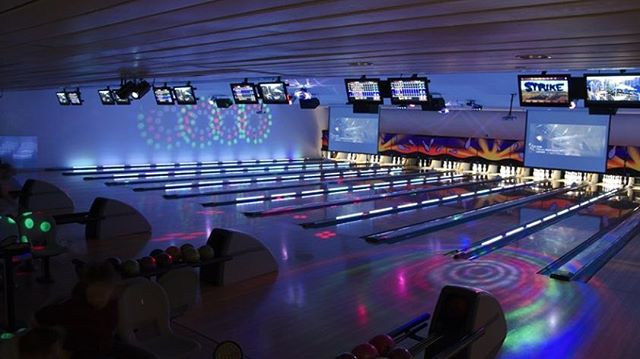 Don't let the rain stop you from celebrating #SundayFunday! Join us for our Sunday Daytime Family Special or break out those dance moves tonight at Ultra Bowl from 5pm-midnight! 🎳