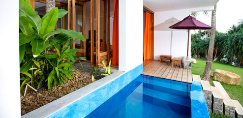 Private pool luxury yoga retreat in Sri Lanka with MC YOGI