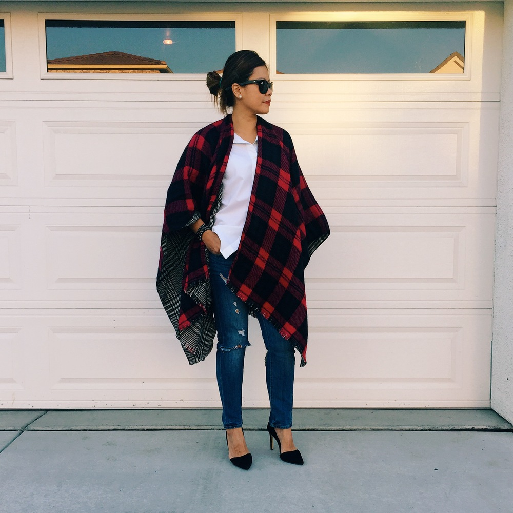 Love this chic and effortless look. Wrap from Nordstrom (in store only), button down from Old Navy, pumps from Banana Republic, and ripped jeans from Forever 21