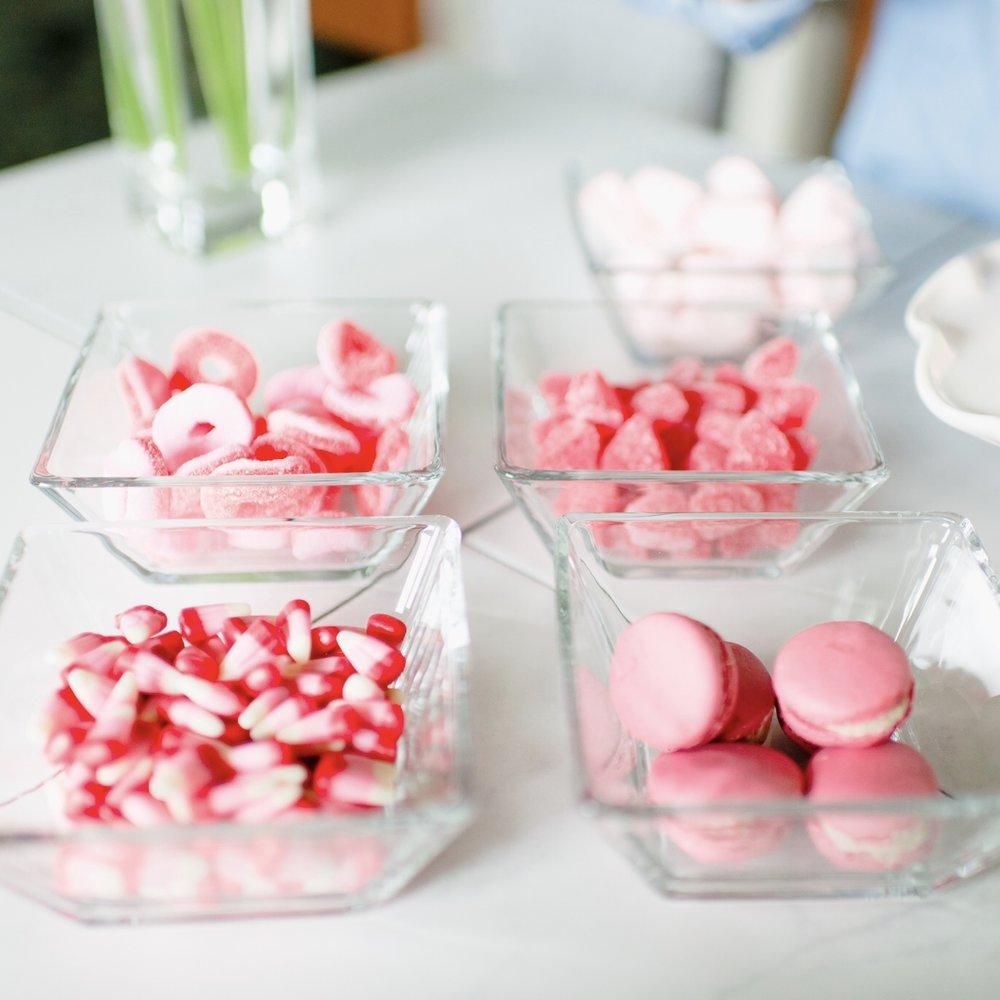 Momlikethat - Valentine's Day Cake.jpg
